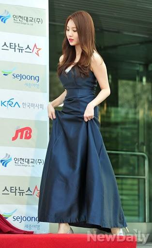 yura dress 13