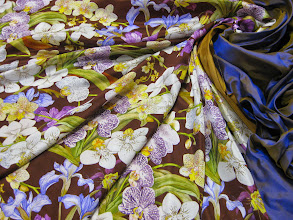 Photo: Ткань: Атлас нат.шелк ш.140см. цена 4000руб Ткань : Тафта шанжан натуральный шелк ш.140см. цена 3500руб.