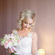 Wedding photographer Anastasiya Smurova (Gweni). Photo of 08.08.2017