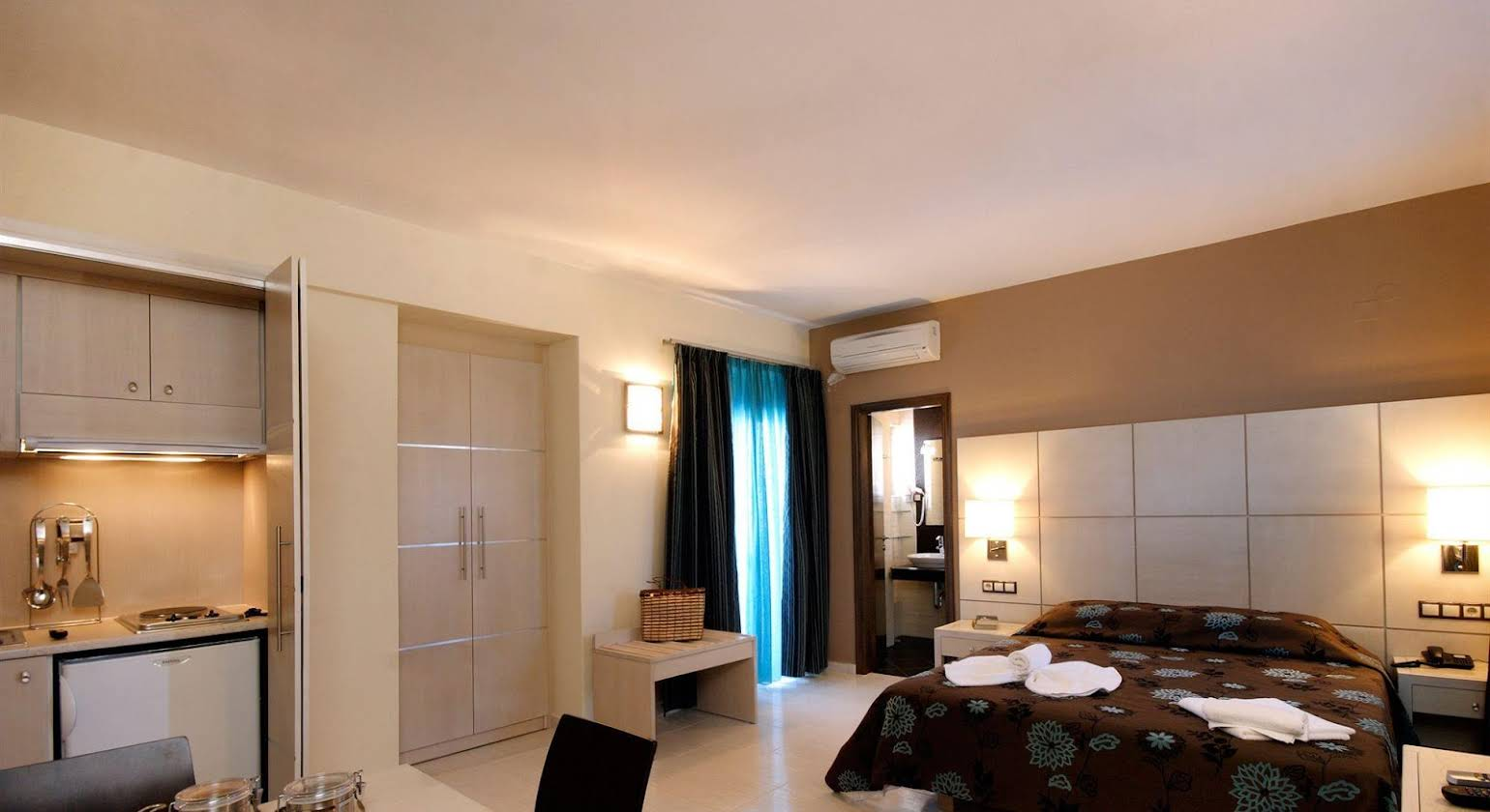 Theros Hotel