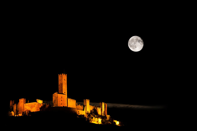 the castle and the moon di samuele.laurenzi
