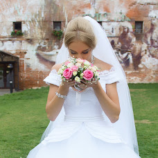 Wedding photographer Artem Lomakin (artfirinoff). Photo of 22.01.2016