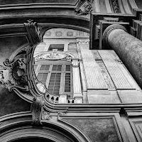 Architettura monocromatica di
