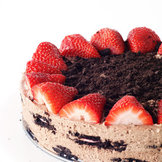 Strawberry Oreo Chocolate Icebox Cake