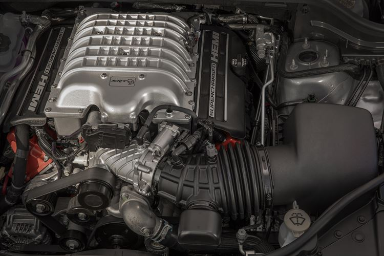 Supercharged 6.2-litre HEMI engine packs 522 kW and 874Nm