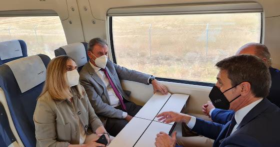 La Junta pide a Ábalos que vuelva el tren directo Almería-Sevilla