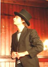Photo: Laurent Bortolotti, claquettes, théâtre, pantomime et chant