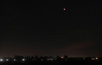 Photo: Verduisterde maan boven Mijnsheerenland