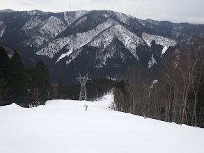 ゲレンデの様だが雪が柔らかく滑らず