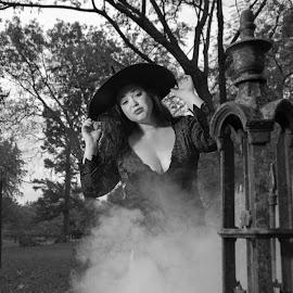 by Loren Holloway - Public Holidays Halloween