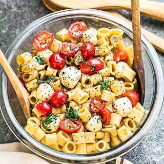 Caprese Pasta Salad + Meal Prep + VIDEO.