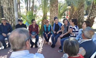 Encuentro entre mayores y jóvenes en Vera