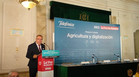 Agricultura y digitalización, en un desayuno coloquio de LA VOZ