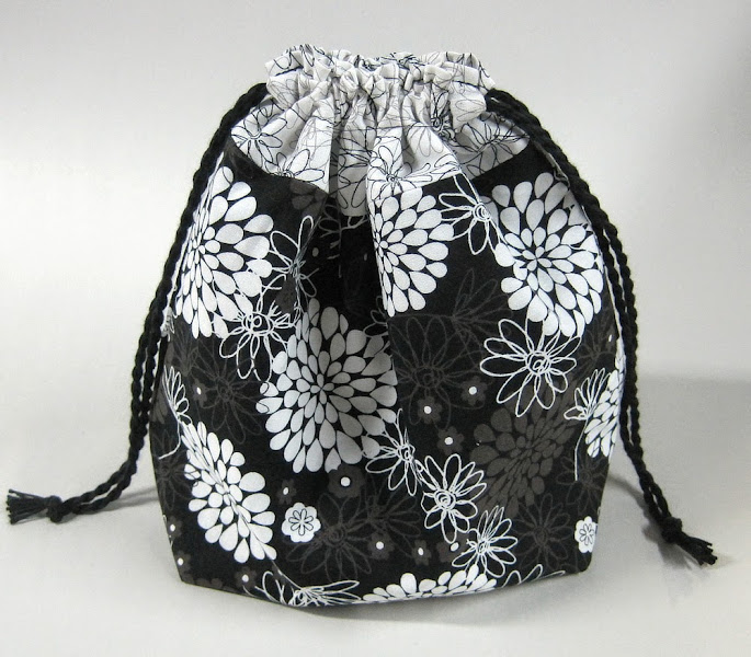 Photo: This is a nice little stuff sack for small projects - fully lined & reversible.