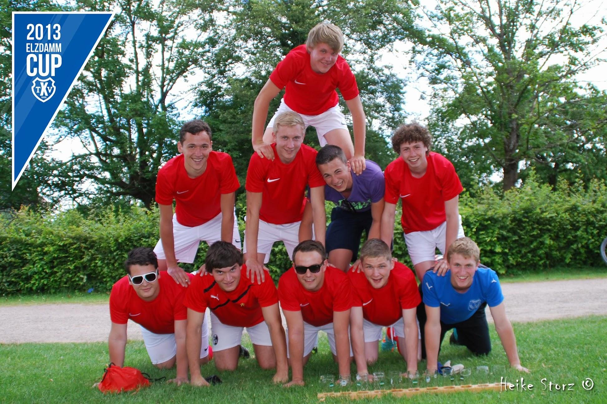 22.06.13 Gruppenfoto des ersten ELZDAMM CUP des TVK