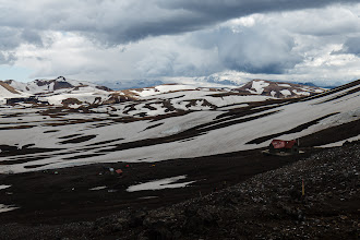 Photo: The hut at Hrafntinnusker, about 7.5 mi and +1500 ft from the starting point at Landmannalaugar