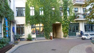 Photo: Hof V der Hackeschen Höfe