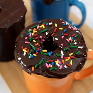 You Cann'T Resist This Donut Mug Cake That Can Be Made in Minutes Recipe