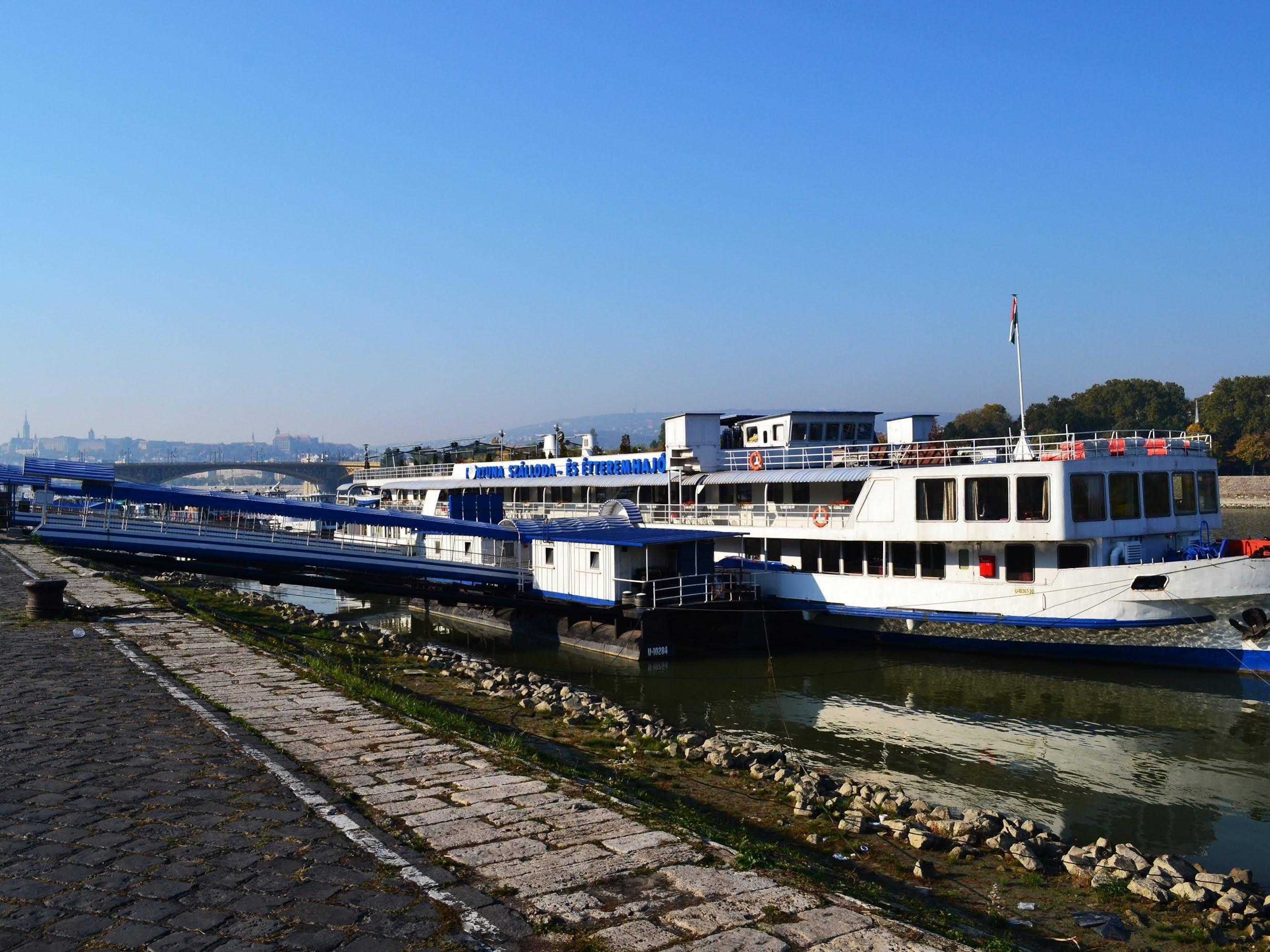 Boat Hostel Fortuna
