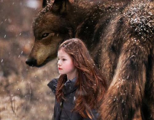 "Photo: Mackenzie Foy is ""Renesmee Cullen"" http://numet.ro/bd2"