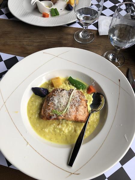 5種餐點發現 魚不新鮮,雞肉太柴,鴨肉豬腳普通,羊排不錯