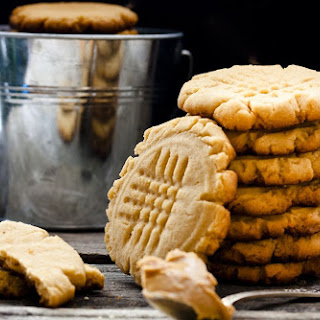 Low-Carb, Sugar-Free Peanut Butter Cookies.