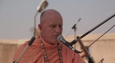 HH Indradyumna Swami Kirtan at Sri Sri Radha Madan Mohan Temple