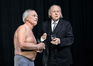 """Photo: WIEN/ Theater in der Josefstadt: """"VOR SONNENUNTERGANG"""" von Gerhard Hauptmann. Premiere 3.9.2015. Michael König. Alexander Waechter. Copyright: Barbara Zeininger"""