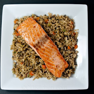Applebee's Broiled Salmon with Garlic Butter