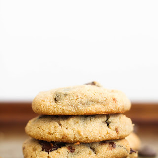 Almond Flour Chocolate Chip Cookies (V&GF).