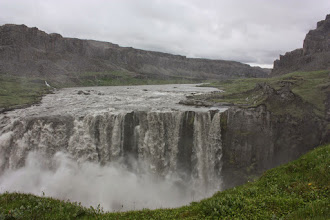 Photo: Hafragilsfoss. Wysokość 27m, szerokość 90m.