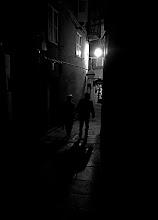 Photo: neixem de l'ombra, morim a la llum... això diuen
