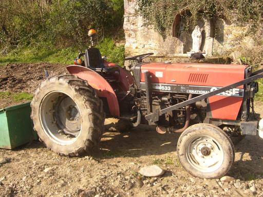 mini tracteur de l'ESAT maraîcher de l'arche en pays toulousain