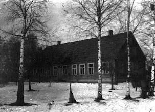 Photo: Rupeikų sodyba, kurių sodyboje nuo 1948 m. buvo įsikūrusi mokykla. Nuotrauka iš Marytės Daukšienės asmeninio archyvo