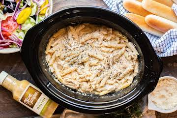 Slow Cooker Olive Garden Chicken Pasta - The Magical Slow Cooker