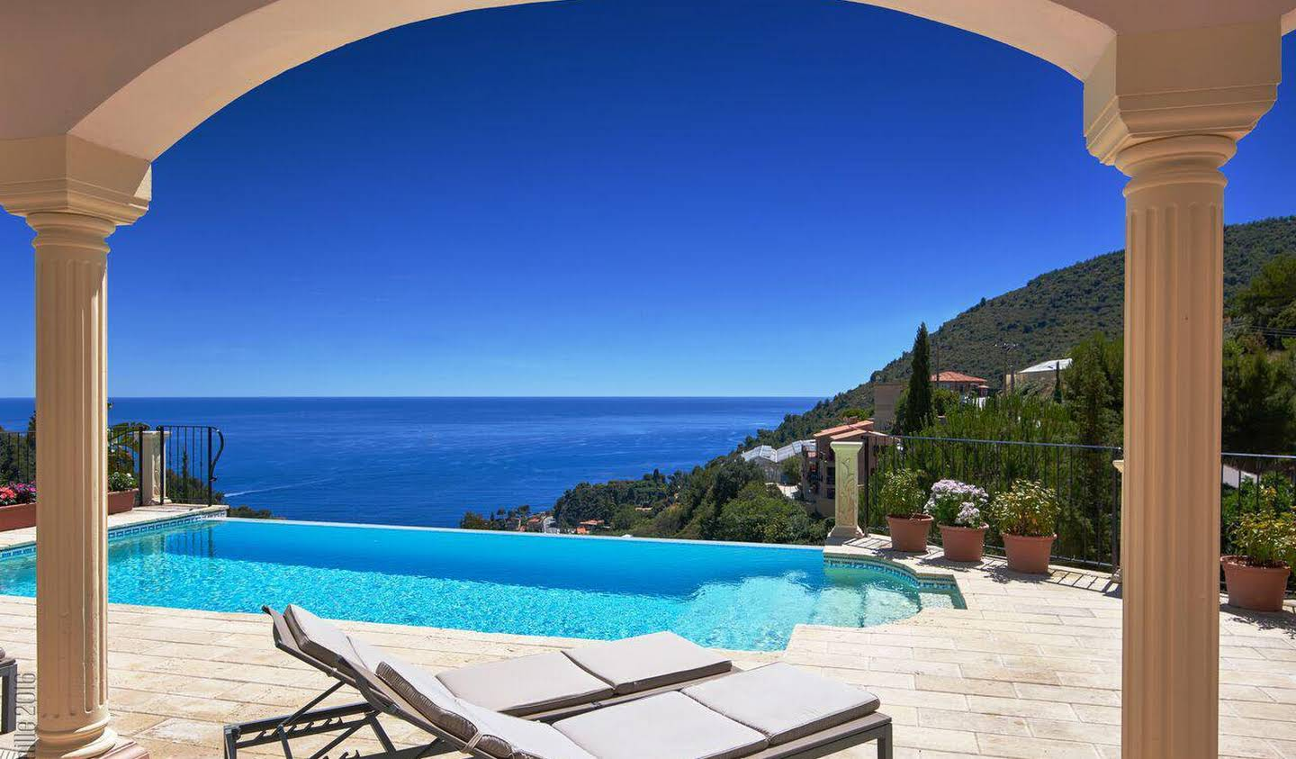 Villa with pool and terrace Eze