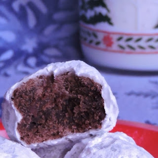 Double Chocolate Snowballs- 12 Days of Cookies #ChristmasCookies