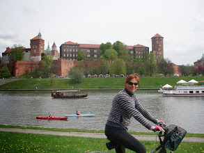 Photo: kajaki i inne pływania na tle Wawelu