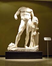 Photo: Burdur, Heracles uit de Bibliotheek van Kremna