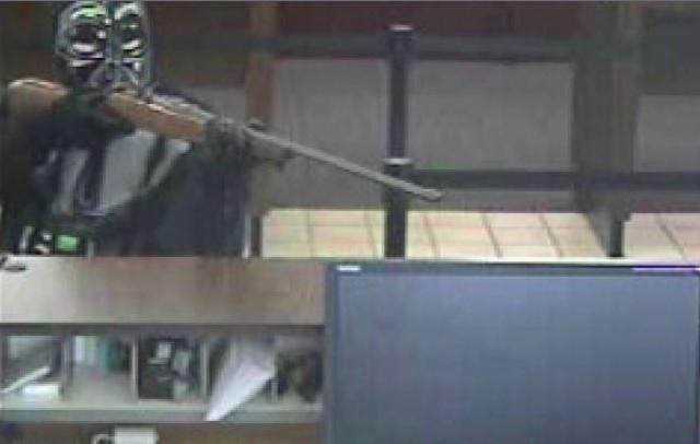 darth-vader-bank-robbery-640x406.jpg