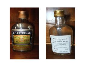 """Photo: En flask de 20cl, une préparation spéciale de Chartreuse Jaune, titrant à 70°, pour la fabrication de confiseries, glaces et pâtisseries ! """"Non consommable en l'état"""" !"""