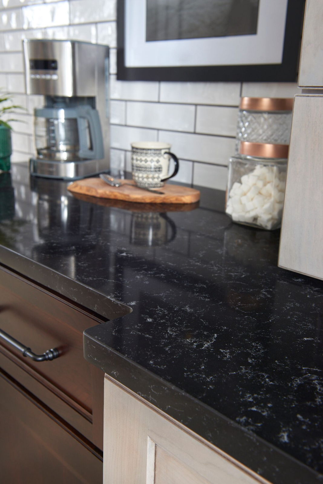 Black Quartz Countertops 9 Stunning Design Ideas For Your