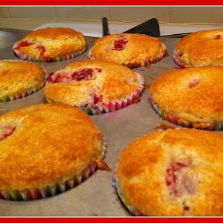 Easy Strawberry Muffins.