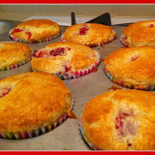 Easy Strawberry Muffins.