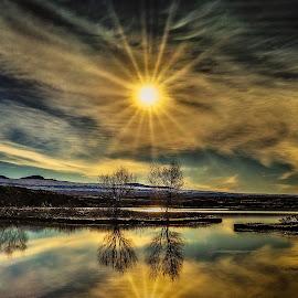 Morning by Hallgrimur P. Helgason - Landscapes Sunsets & Sunrises ( sky, morning glory, þingvallavatn, reflection, mood, sunburst, iceland, water )