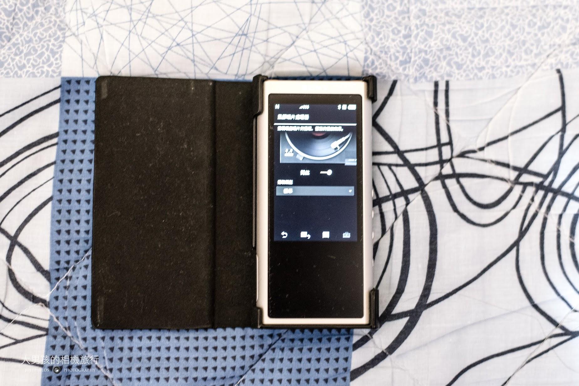 ZX300新韌體更新黑膠唱片模擬器功能。