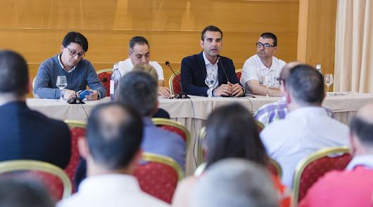 Reunión entre representantes de los taxistas y del Ayuntamiento.