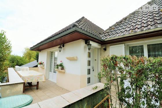 Vente maison 11 pièces 243 m2