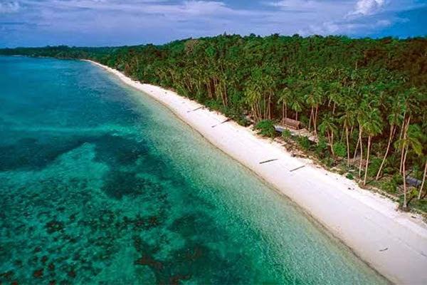 Pantai Pasir Panjang Anambas
