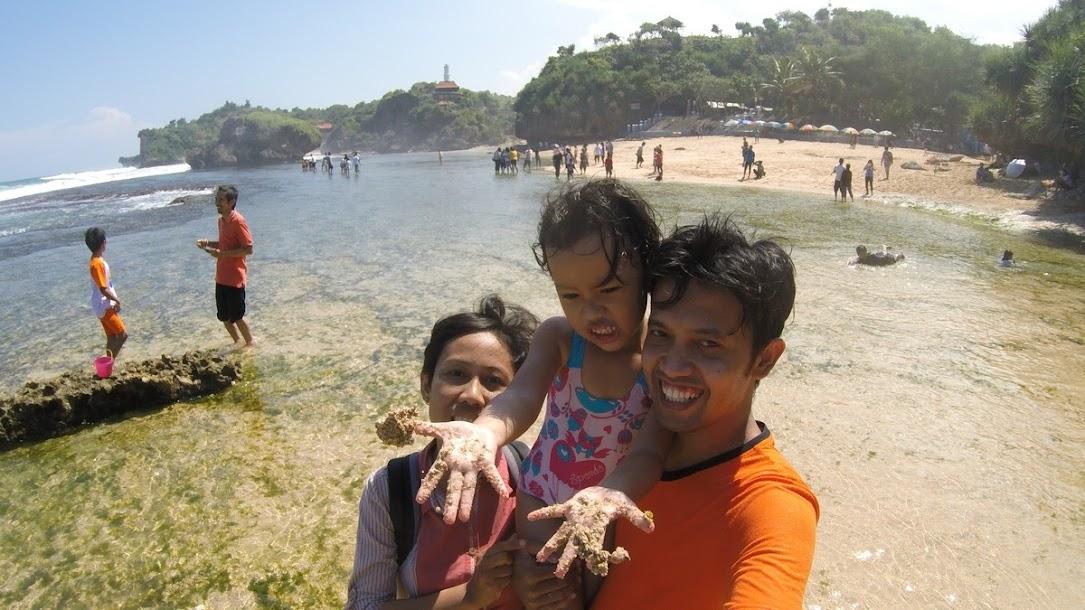 Lampaui Batas demi bisa traveling bersama keluarga